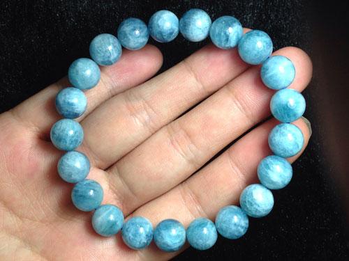vòng đá aquamarine xanh nước biển