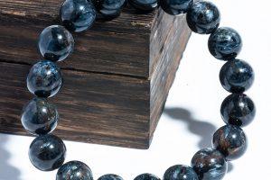 Tuổi Canh Thân đeo đá màu gì? 5 Vật phẩm phong thủy phù hợp